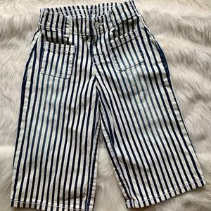 Wide legged stripped soft jeans